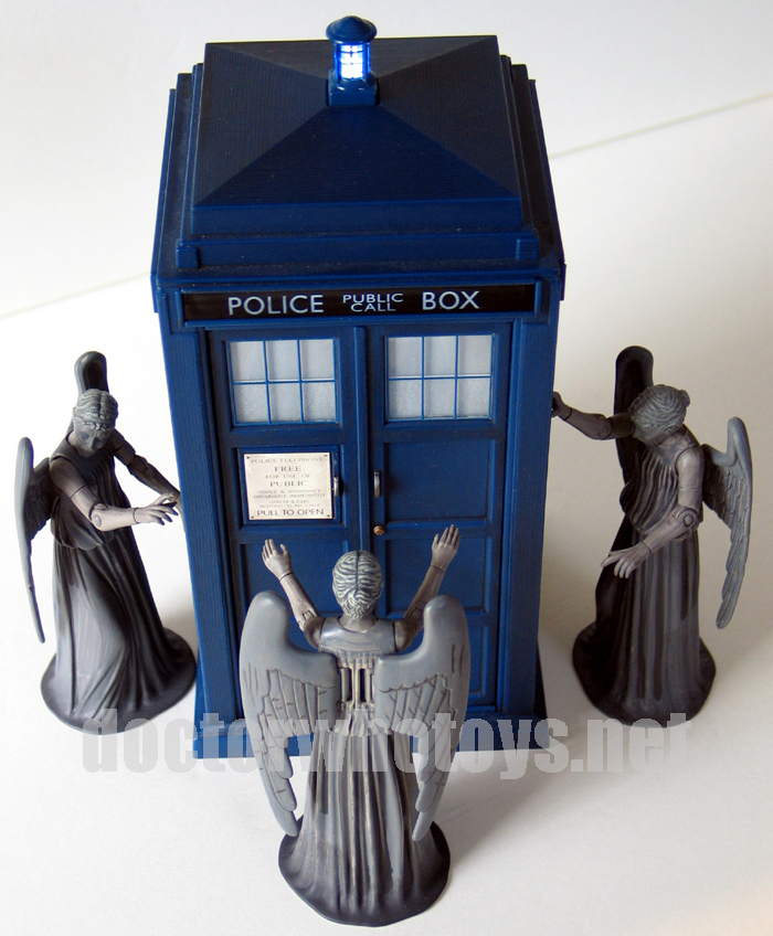 Weeping Angel & Weeping Angel (Screaming Version)