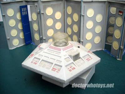 Doctor Who (Dapol) 1987 Dapolconsole1