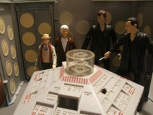 Dapol Console Room with Dapol 7th Doctor, 3rd Doctor and CO The Doctor Regeneration Set