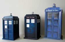 TARDIS Money Bank, TARDIS Manual and Build the TARDIS