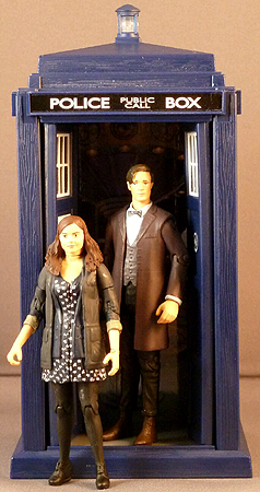 The Doctor, Clara & Spin and Fly Tardis