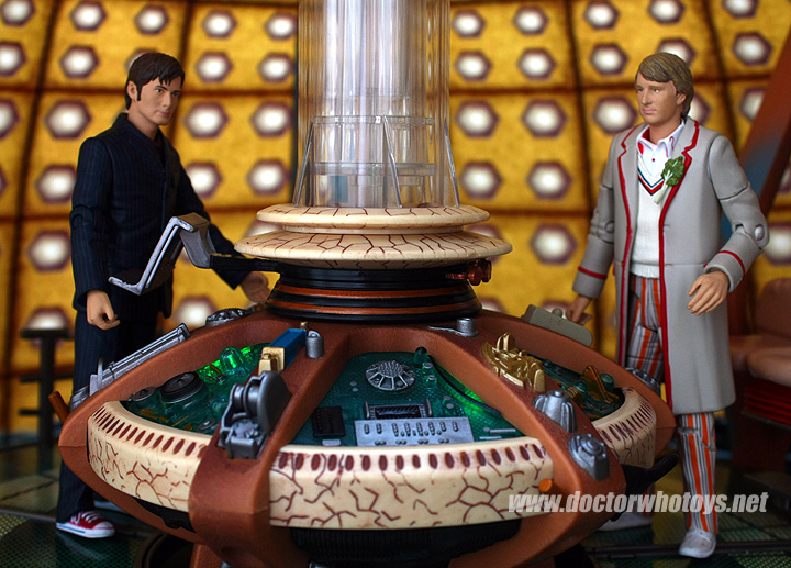 Time Crash Figures & Tardis Electronic Playset