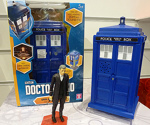 Twelfth Doctor Spin and Fly Tardis